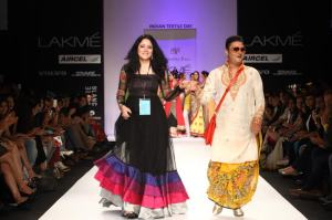 Agnimitra (Paul) with actor Vinay (Pathak) at Lakme Fashion Week 2013